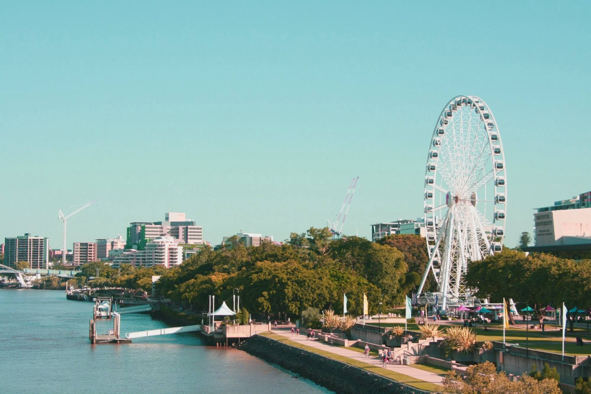 The Wheel of Brisbane in South Bank. Photo by Alice Duffield on Unsplash