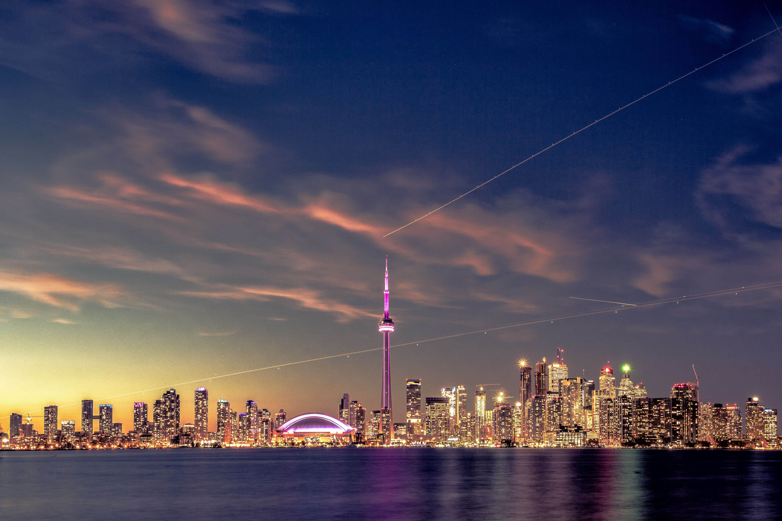 Toronto skyline. Photo by MURUCUTU on Unsplash