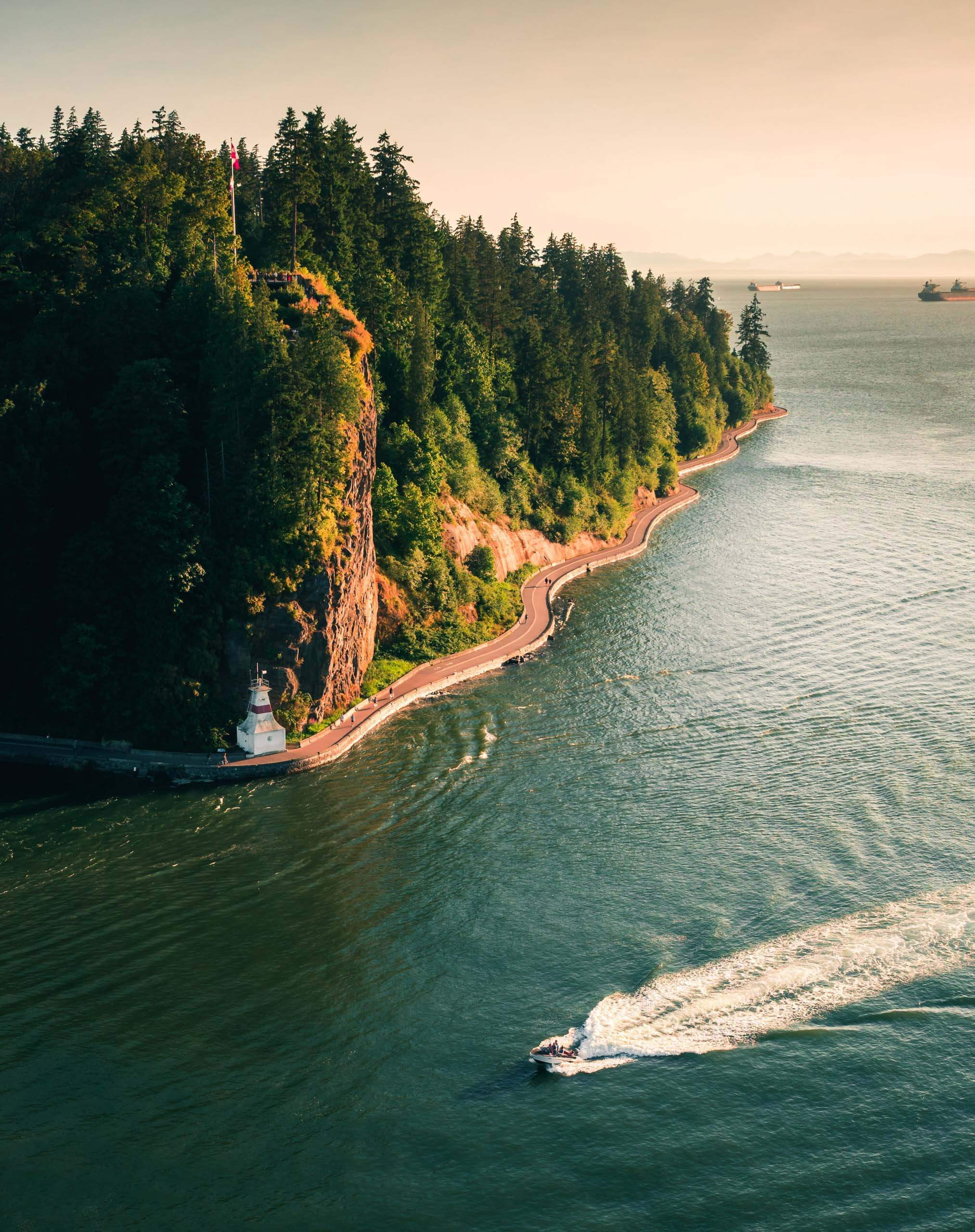 The seawall along Stanley Park. Photo by Luc Tribolet on Unsplash