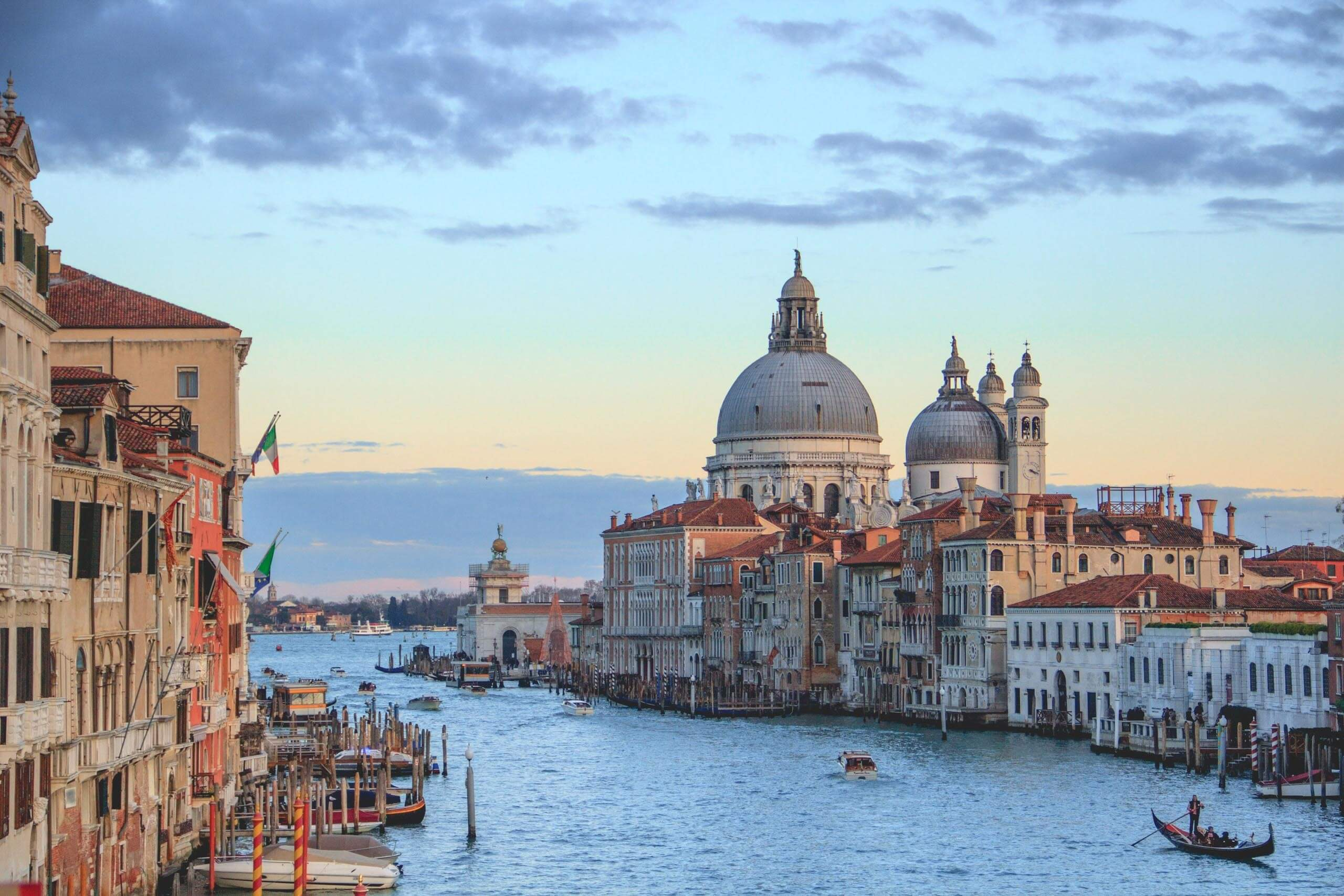 View of the waterways of Venice. Photo by Henrique Ferreira on Unsplash